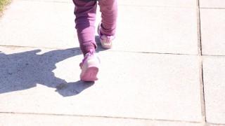 天気がいい日に散歩をしたら体がだるい。原因は日焼けしているせい?