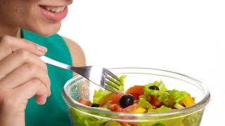 夏の食事にお酢を取り入れる。効果は夏バテ防止の食欲アップだけじゃない。